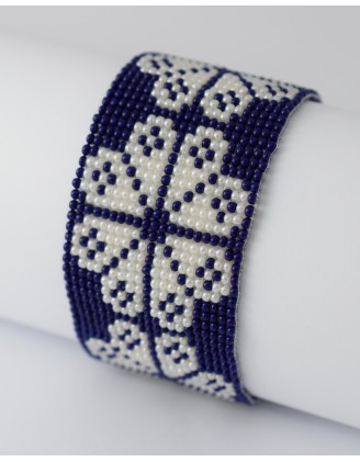 folk bracelet- blue and white